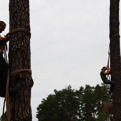 Zawody w posługiwaniu się leziwem, Augustów 2017 Fot. Bractwo Bartne
